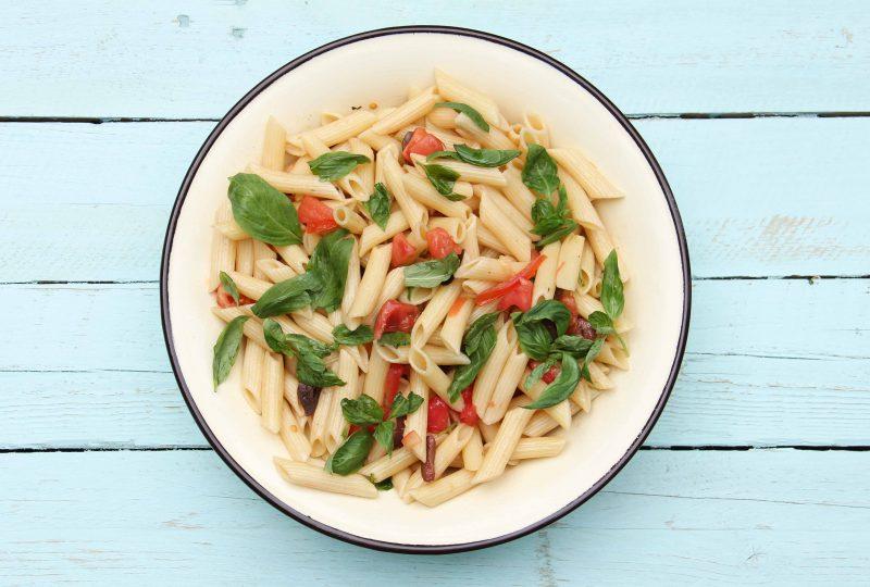 סלט פסטה, עגבניות חלוטות, צנובר וריחן