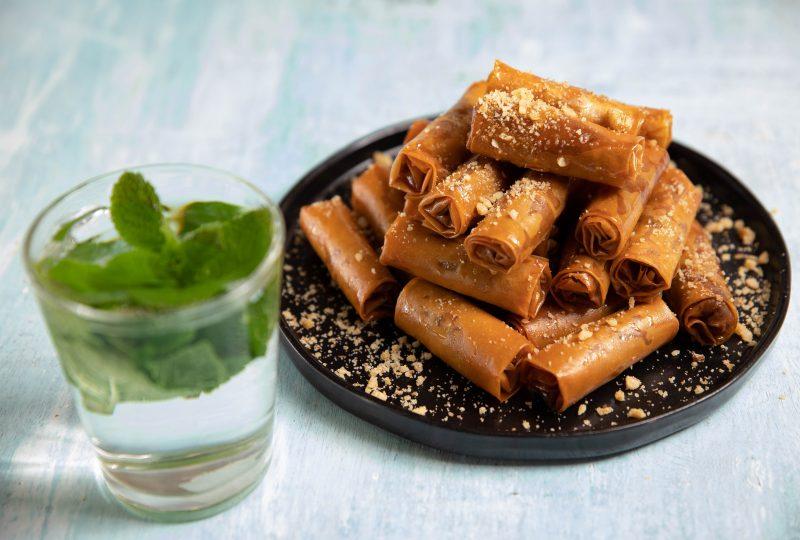 סיגרים אגוזים וקינמון